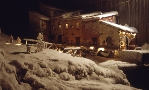 Panoramica notturna con neve